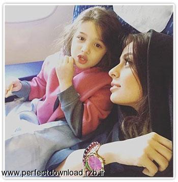 عکس جدید بنیامین بهادری و همسر جدیدش سفر به هند در هواپیما